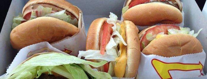 In-N-Out Burger is one of Posti che sono piaciuti a Sandra.
