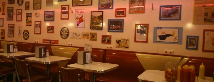 Starlite Diner is one of Must go in Msc for M&M.