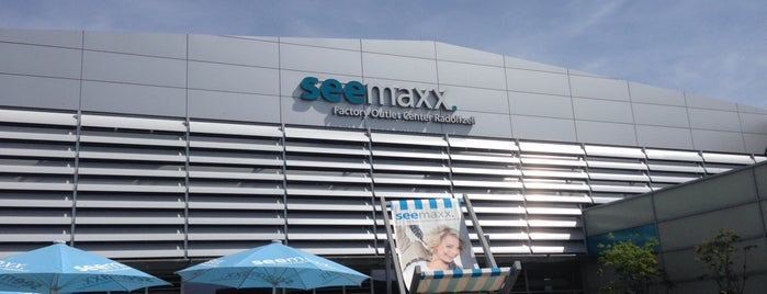 Seemaxx Factory Outlet Center is one of Orte, die Mirko gefallen.