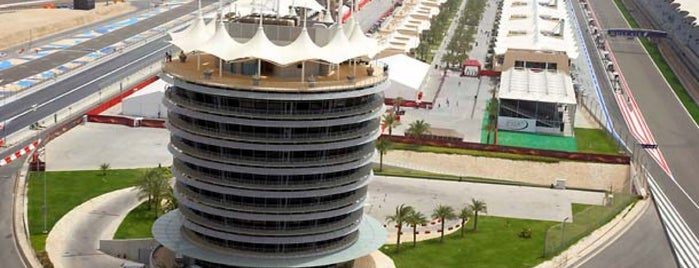 Bahrain International Circuit is one of Locais curtidos por Osama.