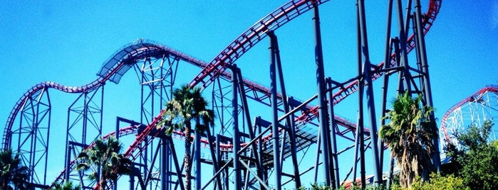 Six Flags Magic Mountain is one of Historic Route 66.