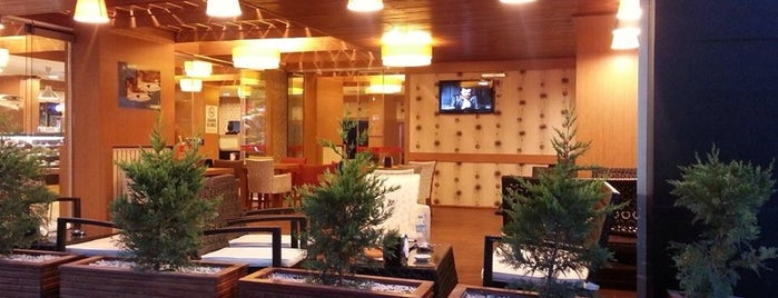 PARİS CAFE restaurant is one of Orte, die Gökhan gefallen.