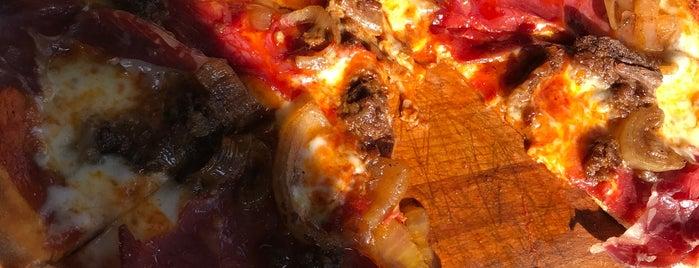 Sicilia Pizzeria is one of Lieux qui ont plu à Ender.