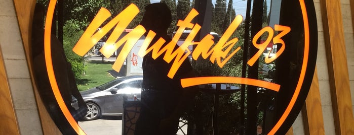 Mutfak 93 is one of Locais curtidos por Kutay.