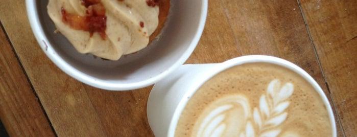 Cafe Crema is one of Lieux sauvegardés par Paige.