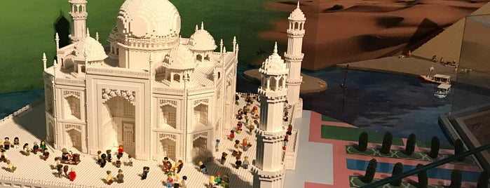 LEGOLAND® Discovery Centre İstanbul is one of Lieux qui ont plu à Sinan.