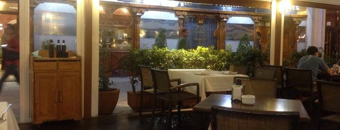La alpujarra is one of Restaurantes a los que vuelvo  y volveré.