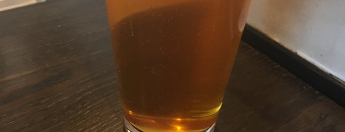 Mt Hood Brewing Company Tilikum Station is one of Lugares favoritos de Benjamin.