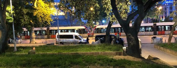 Tophane Parkı is one of Samet'in Beğendiği Mekanlar.
