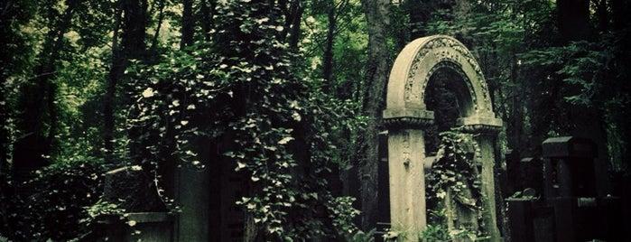 Jüdischer Friedhof Weißensee is one of 1 | 111 Orte in Berlin die man gesehen haben muss.