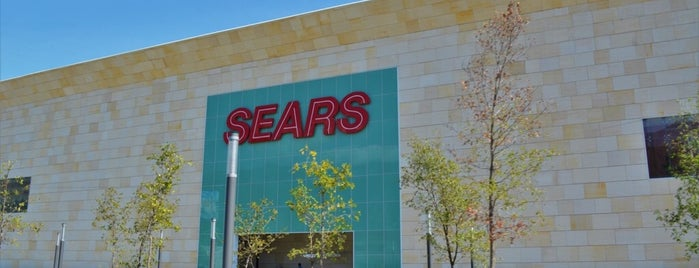 Sears is one of Locais curtidos por Ismael.