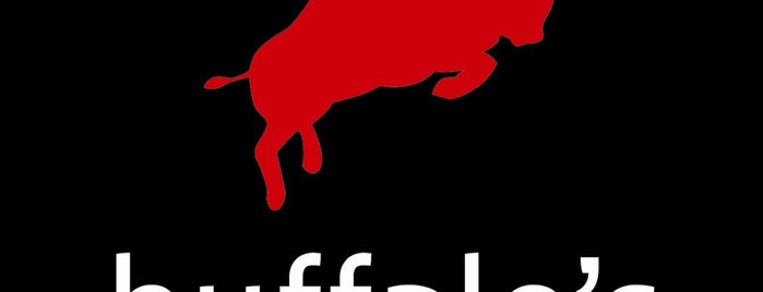 Buffalo's Hot Wings is one of Flaca / Comida slash happiness.