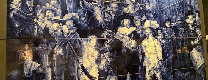 Royal Delft - De Koninklijke Porceleyne Fles is one of Tempat yang Disimpan Dilara.