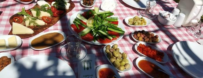 Derin Bahçe Restaurant is one of Talat Cem'in Kaydettiği Mekanlar.