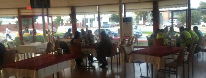 Cafe Mart is one of Posti che sono piaciuti a Eray.