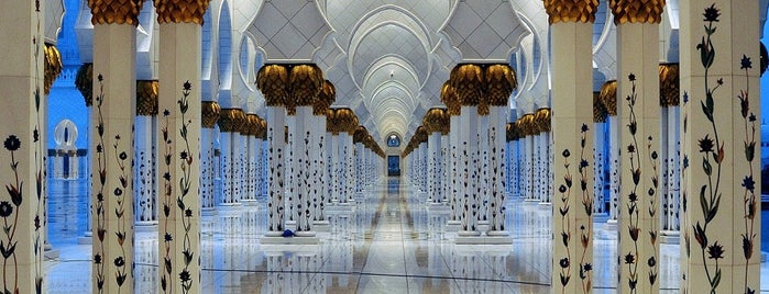Sheikh Zayed Grand Mosque is one of Best things to do in Abu Dhabi.