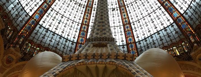 Galeries Lafayette Haussmann is one of Tempat yang Disukai María.