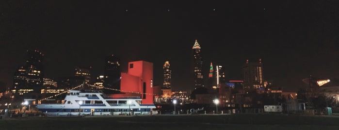 Downtown Cleveland is one of สถานที่ที่ John ถูกใจ.