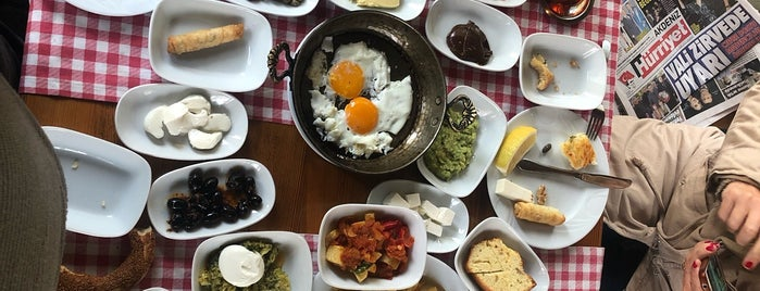 Ahbap Restaurant is one of Yunus'un Beğendiği Mekanlar.
