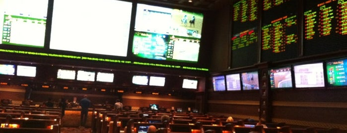Race & Sports Book is one of Lieux qui ont plu à Andy.