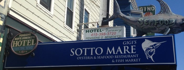 Sotto Mare Oysteria and Seafood Restaurant is one of Tempat yang Disukai Matt.
