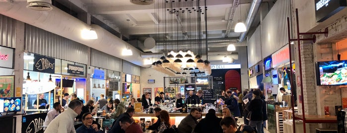 Downtown Food Hall is one of Posti che sono piaciuti a Juri.