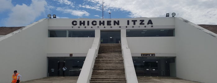Aeropuerto Internacional de Chichen Itza is one of Tempat yang Disukai Carlos.