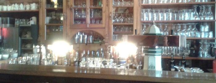 Café Gartenlaube is one of Locais curtidos por Jil.