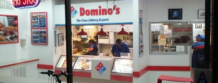 Domino's Pizza is one of Lugares favoritos de Fabricio.
