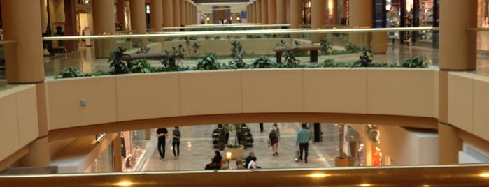 Scottsdale Fashion Square is one of Places to visit in Phoenix/Scottsdale.