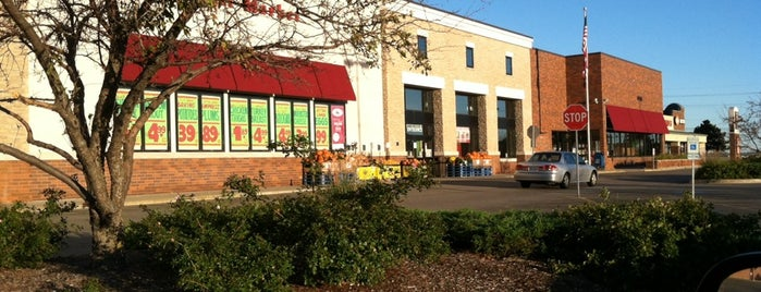Joe Caputo & Sons Fruit Market is one of Lamya'nın Beğendiği Mekanlar.