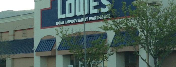Lowe's is one of Orte, die Vicki gefallen.
