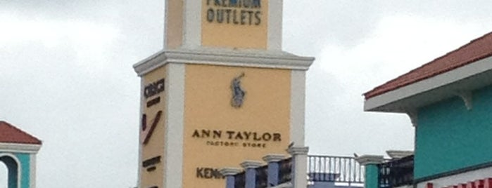 Puerto Rico Premium Outlets is one of Orte, die Cristina gefallen.