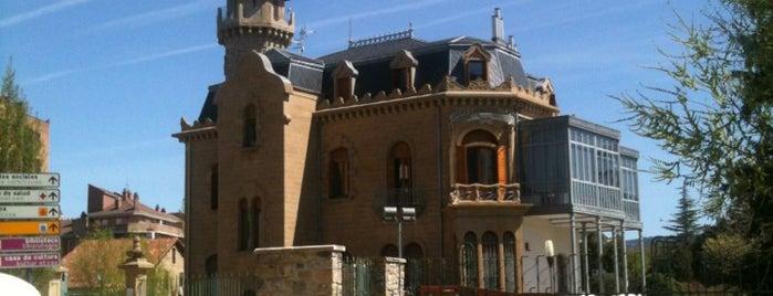 Palacete Municipal Burlada is one of Reynaldo 님이 저장한 장소.