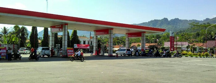 Rest Area SPBU 44.532.14 Cimanggu is one of Lugares favoritos de Nin.