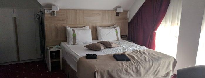 Hotel Thomas Albert is one of Tempat yang Disukai Cansu.