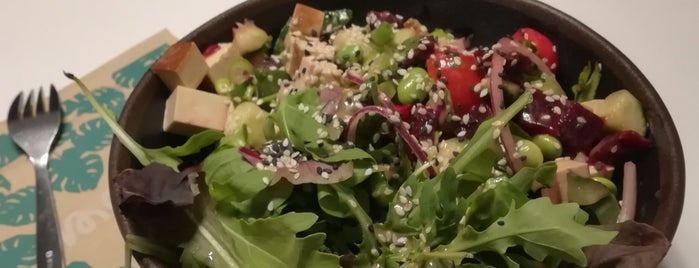 MA'LOA Poké Bowl is one of Locais salvos de Eleonora.