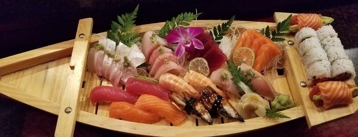 Daan Sushi Asian Bistro & Bar is one of megan : понравившиеся места.