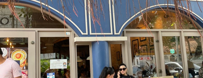 """Ely """"café de la casa"""" is one of Colombia V1."""