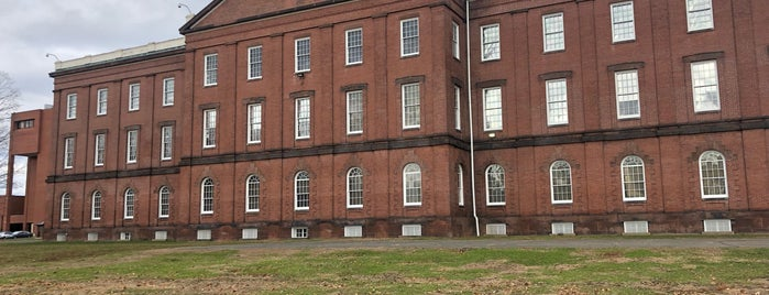 Springfield Armory National Historic Site is one of Stuff Near Pittsfield.