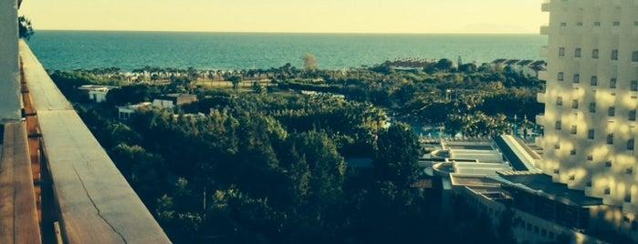 Kervansaray Lara Hotel Beach is one of Orte, die Erkan gefallen.