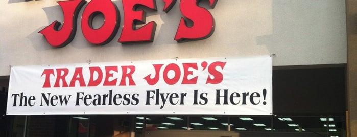 Trader Joe's is one of Lugares favoritos de Juan.