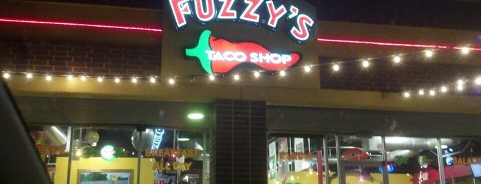 Fuzzy's Taco Shop is one of Lugares favoritos de Earl.