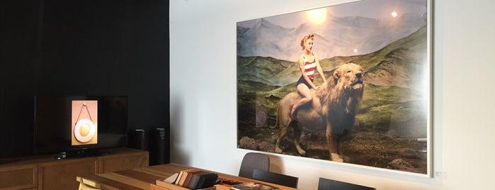 Studio Roca is one of Orte, die Brenda gefallen.