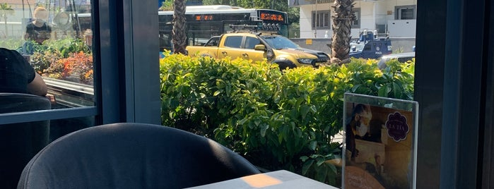 Chay Tea & Cafe Bistro is one of İstanbul 2.