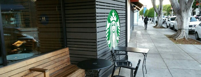 Starbucks is one of Lieux qui ont plu à Melis.