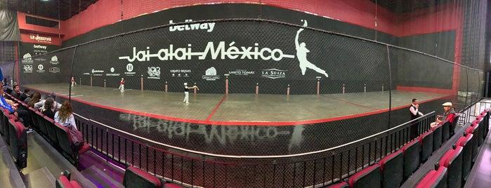 Frontón México is one of Lieux qui ont plu à Paco.