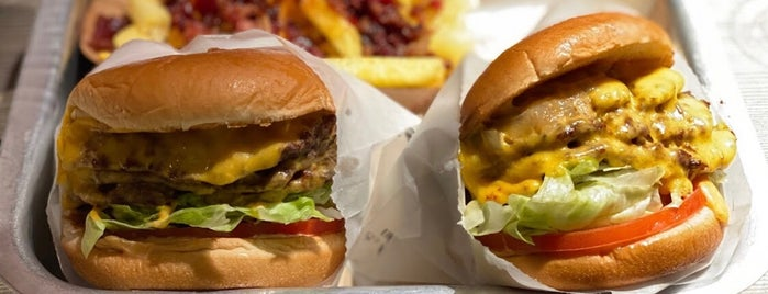 The California Burger is one of Places need a visit.