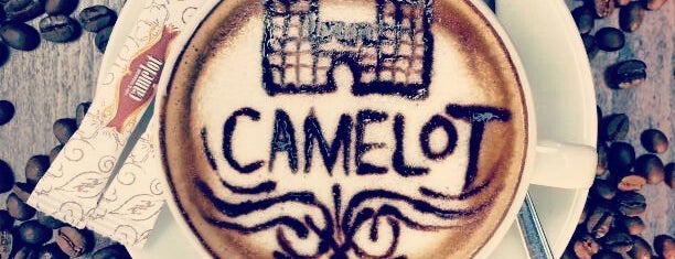 Camelot Cafe & Restaurant is one of Orte, die arz-ı gefallen.