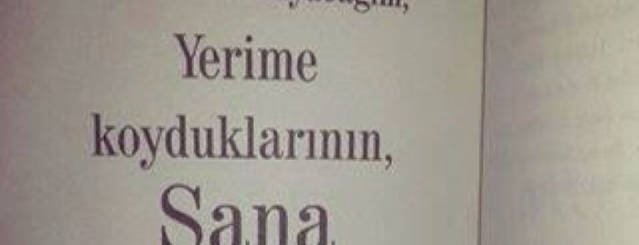 Devlet Tiyatroları Zeytinburnu Sahnesi is one of Posti che sono piaciuti a Emre.